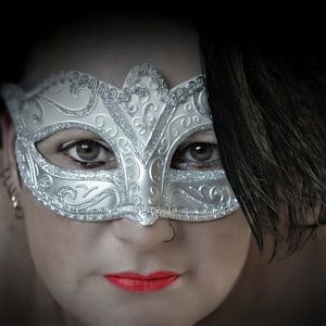 """""""mystery woman 2, close-up"""""""