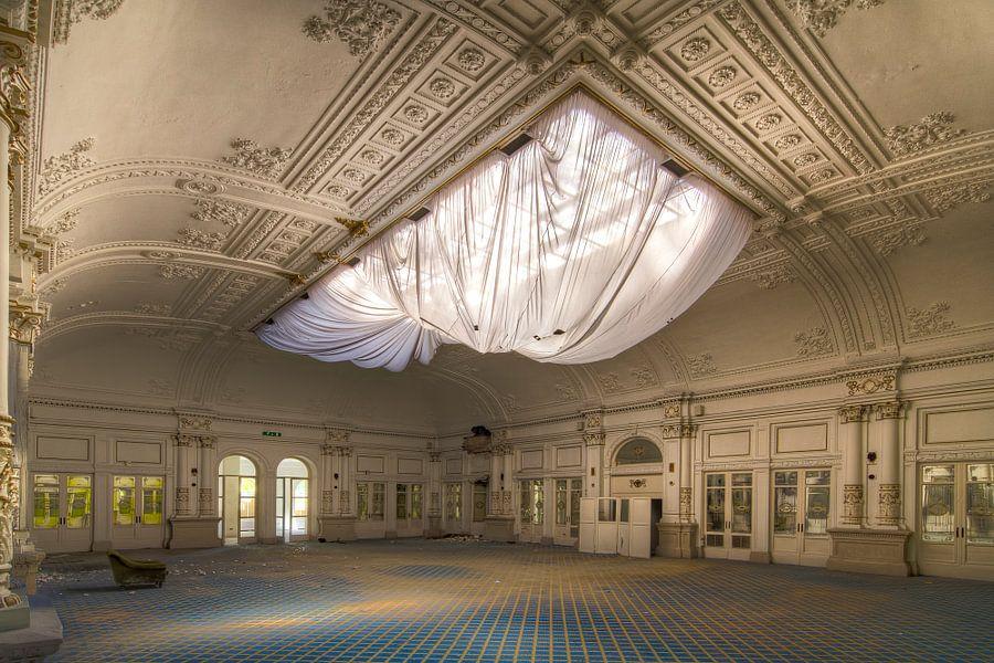 Der Tanzsaal - Lost Place von Truus Nijland