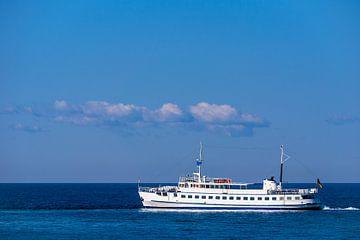 A passenger ship on the Baltic Sea van Rico Ködder