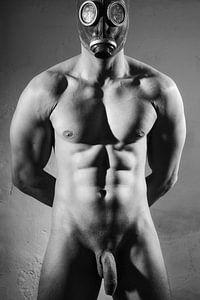 Hele mooie naakte man met prachtig gespierd lichaam gefotografeerd in zwart wit.  #E0026 van william langeveld