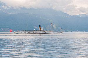 El vapor La Suisse navega por el lago Lemán (Suiza)