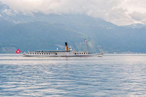 El vapor La Suisse navega por el lago Lemán (Suiza) van