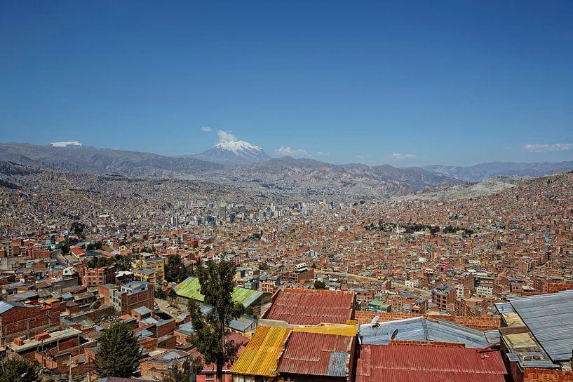 Panorama stadsgezicht van La Paz, Bolivia, Zuid-Amerika, van Tjeerd Kruse