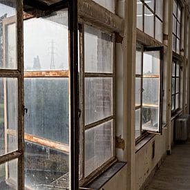 """Alte Fenster des zentralen Zwevegem """"Transfo"""" von Christophe Fruyt"""