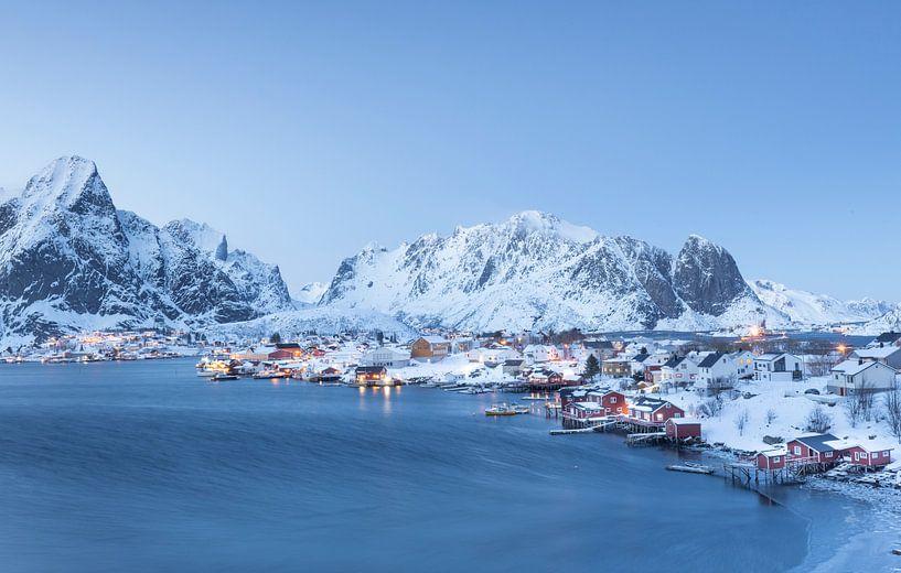 Winterlandschap in Lofoten van Charlotte Jalvingh