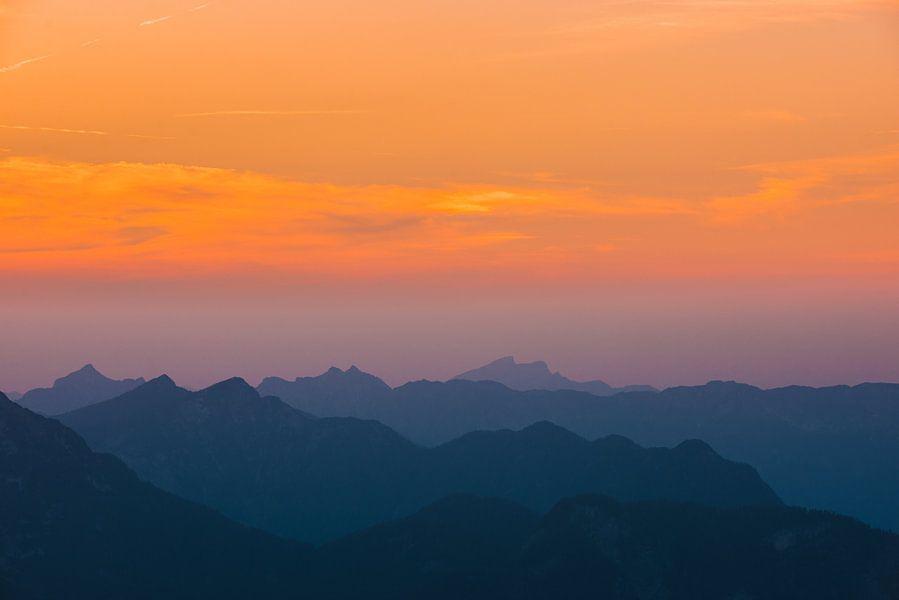 """""""Het vallen van de schemering"""" over de Oostenrijkse Alpen"""