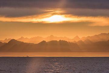 Groenland in avondrood van Leendert Noordzij Photography