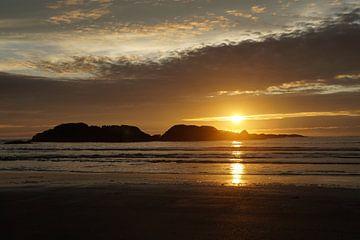 Romantische zonsondergang von Anouk Noordhuizen