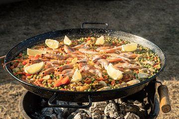 Paella, wie es von den Spaniern zubereitet wird.