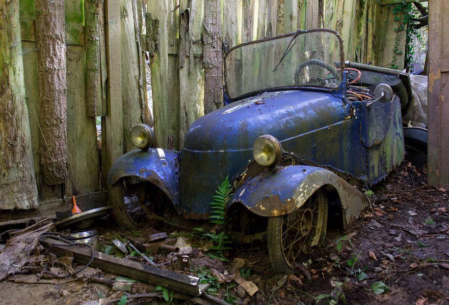 Auto blauw  van Ronald Rietveld