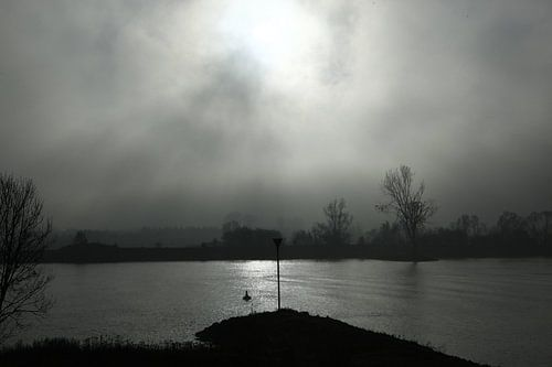 Rivier in de mist