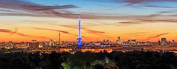 Skyline Berlin im Sonnenaufgang von Frank Herrmann