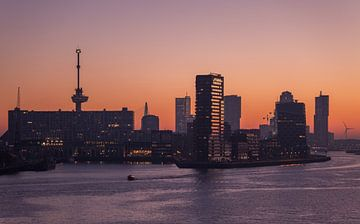 De zonsopkomst in Rotterdam van