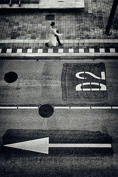 Strassenfotografie in Utrecht, Niederlande in Schwarz-weiss. von De Utrechtse Grachten