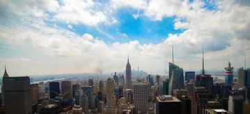 Skyline de New York avec l'Empire State Building de Rockefeller centre sur ticus media