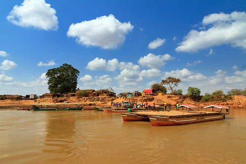 Veerpont Madagaskar van Dennis van de Water