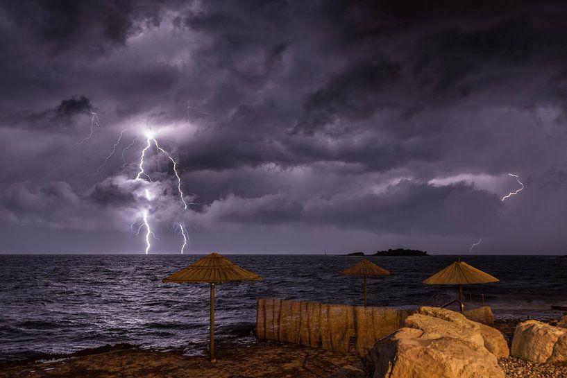 Onweer in Kroatië van Sven van der Kooi