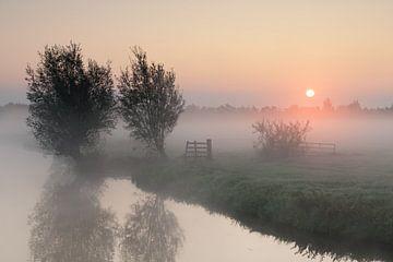 Sonnenaufgang Donkse Schichten Alblasserwaard von Beeldbank Alblasserwaard