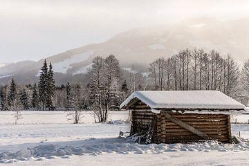 Verschneite Hütte von Martine Dignef