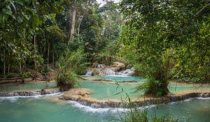 Waterplateaus bij de Kuang Si waterval, Laos van