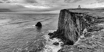 Un regard sur le phare de Vik, Islande sur Hans Brinkel