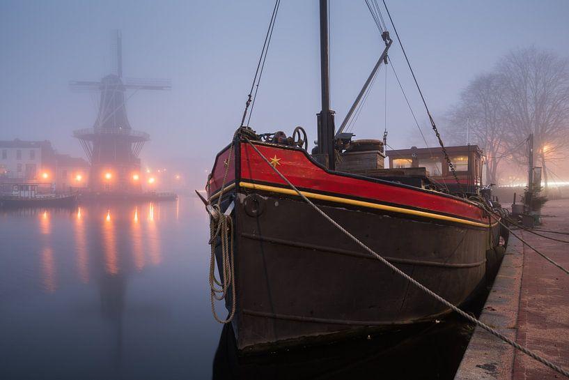 In the mist van Scott McQuaide