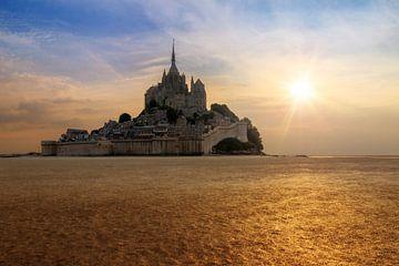 Mont Saint-Michel tijdens laag water vanaf het wad von Dennis van de Water