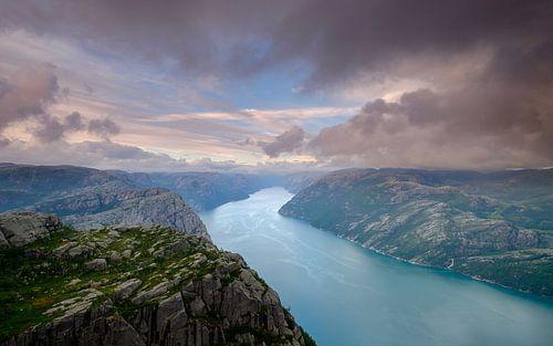 Zonsondergang op de Preikestolen, Lysefjord, Noorwegen