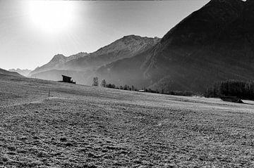 Boerenhut in weiland in het Oetzdal van Danny Motshagen
