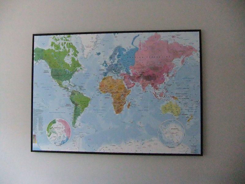 Klantfoto: Wereldkaart, Continenten en oceanen van MAPOM Geoatlas