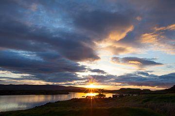 Zonsondergang in Skye Schotland van Guus Janssen