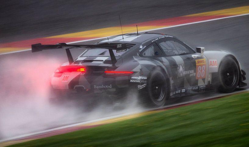 Porsche 911 GT3RS2 mit Regen auf Spa-Francorchamps während wec6hofspa von Stefano Scoop