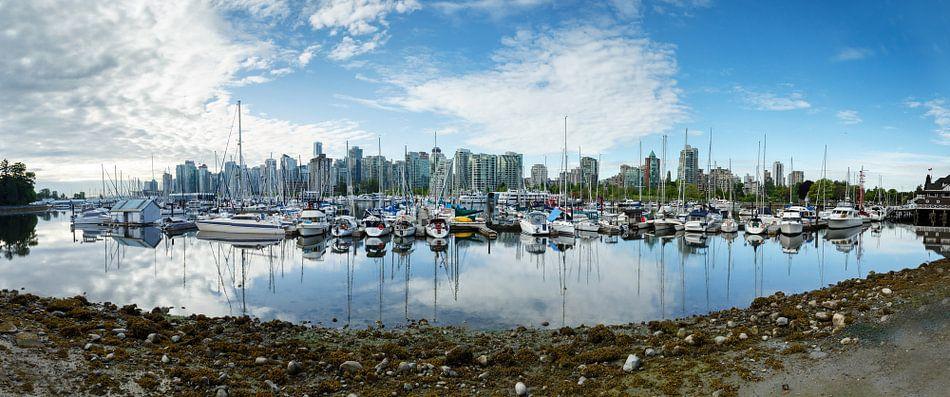 Panorama van Vancouver stad Canada van Menno Schaefer