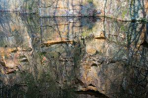 Spiegelung im Steinbruch 3