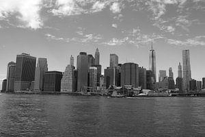 Manhattan Skyline B/W van Menno Heijboer