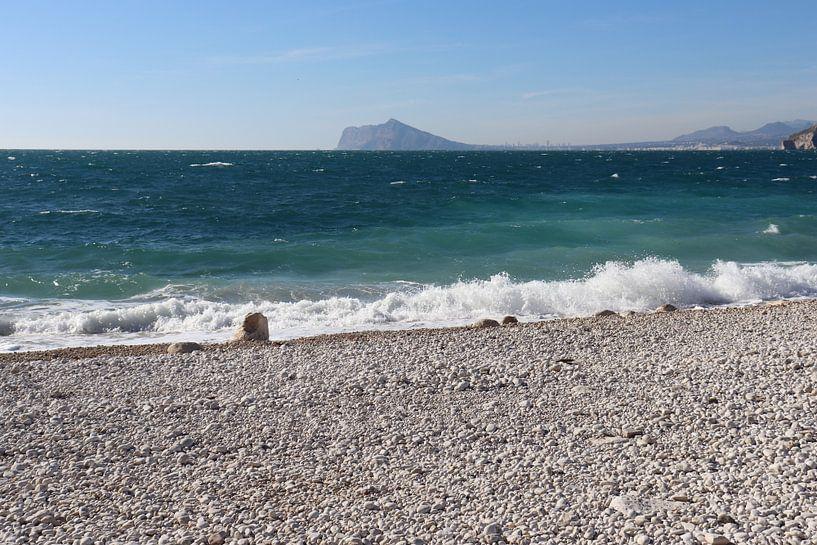 Strand van Calpe, Costa Blanca, Spanje van Elly Meijer - Willemsen