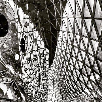 Weerspiegelingen in een mall in Frankfurt van SPOOR Spoor