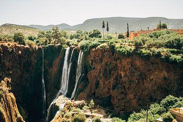 Wasserfall in Marokko von Patrycja Polechonska