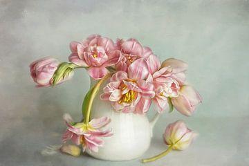 Een adem van de lente - Tulpen nr. 3 van Lizzy Pe