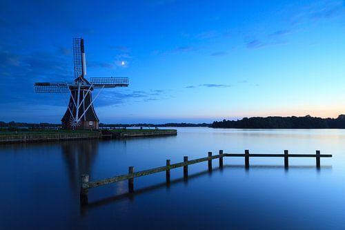 Blauw & molen von Sander van der Werf