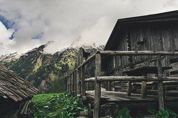 Landschap met bergen en alm in Oostenrijk van Jan-Erik Van de Pol