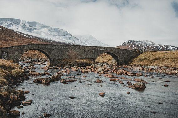 Oude brug van Paulien van der Werf