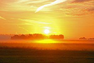 opkomende zon boven Ter Idzard van