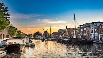 Galgenwater Leiden bij schemering van Erik van 't Hof
