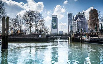 Rotterdam vanuit Haringvliet zicht op Oudehaven van huub claessens