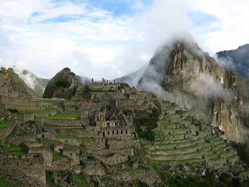 Machu Picchu in de wolken