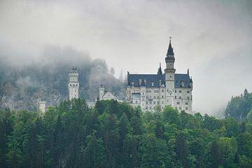 Schloss Neuschwanstein im Nebel