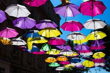 Kleurrijke paraplu's in de Provence van Pieterpb