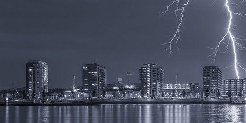 Feyenoord Rotterdam stadium with a big lightening strike (7)