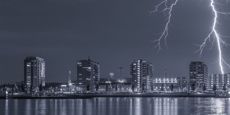 De Kuip met bliksem inslag - Feyenoord Rotterdam (7) van Tux Photography